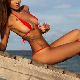 bikini girl hot in den meisten thong