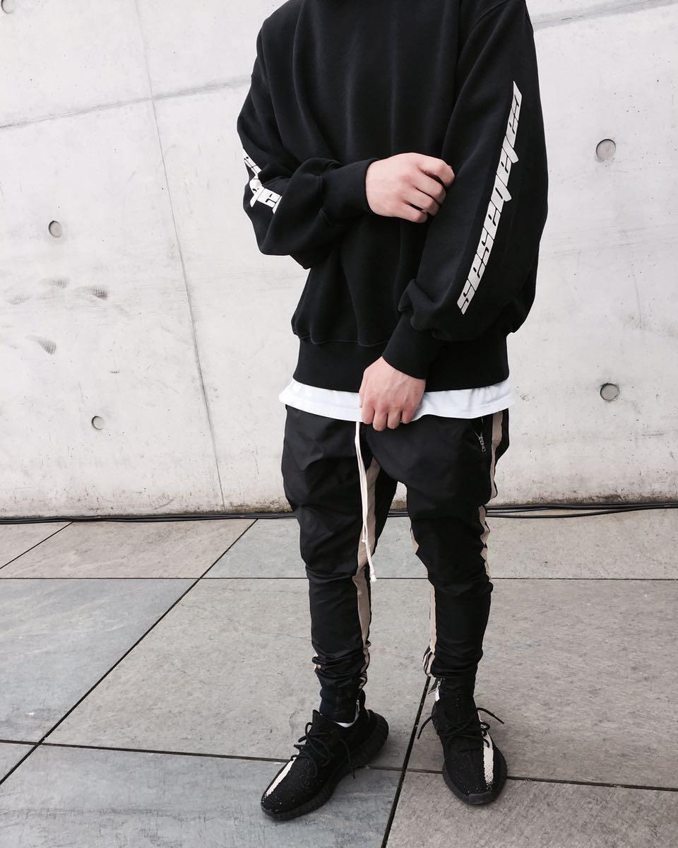 Homme et femme hip hop streetwear manches latérales