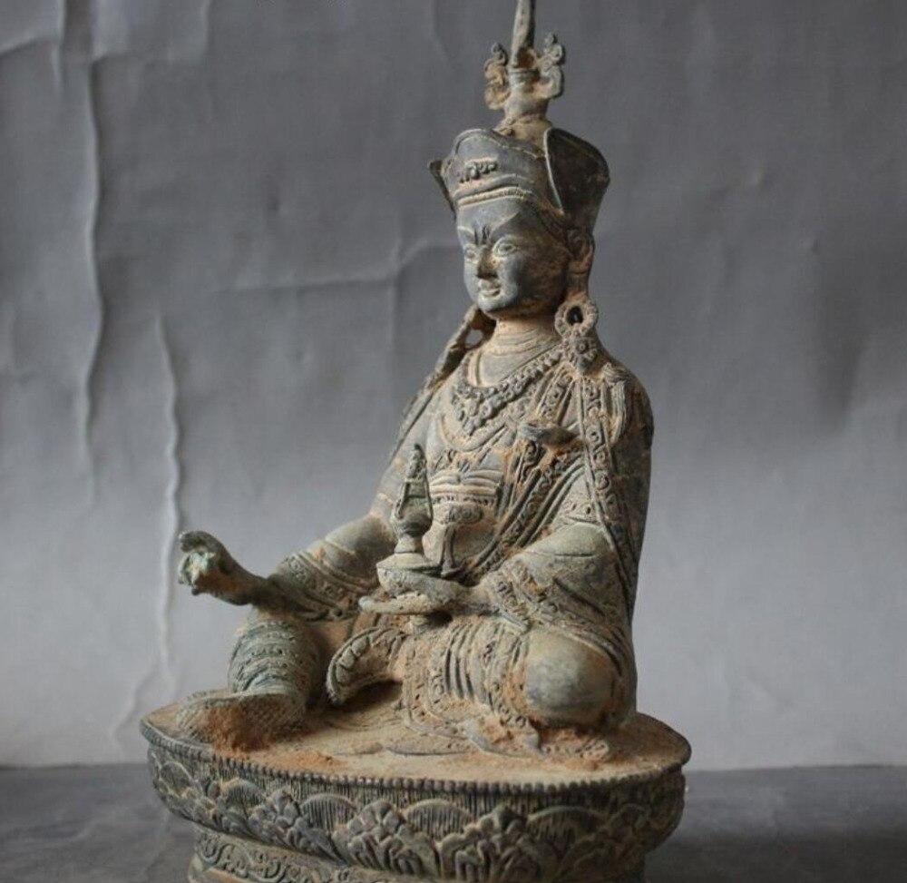 christmas Old Tibet Buddhism Temple bronze Guru Rinpoche Padmasambhava Vajra Buddha Statue halloweenchristmas Old Tibet Buddhism Temple bronze Guru Rinpoche Padmasambhava Vajra Buddha Statue halloween