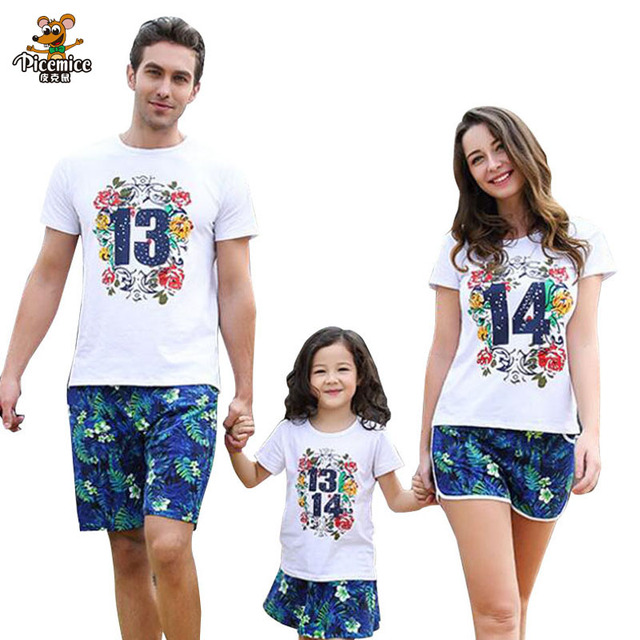 fd0f1edd4810 Family Look Girl and Mother Daughter Skirt Father and Son T-shirt and Shorts  Printed Digital 2019 Summer Family Matching Clothes