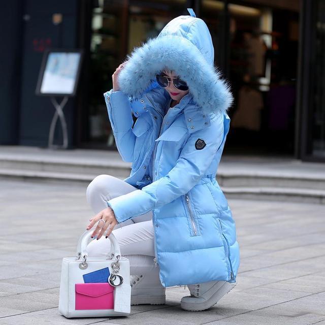 2017 invierno mujeres de la Chaqueta de algodón acolchado medio-largo delgado prendas de vestir exteriores del espesamiento cuello de piel grande de las mujeres espesan Abajo y Abrigos Parkas