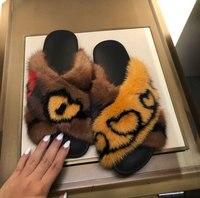 Популярные Брендовые женские тапочки меха Украшенные женская обувь открытый Крытый сердце узор Женские туфли лодочки бренд Chic Мода zapatos mujer