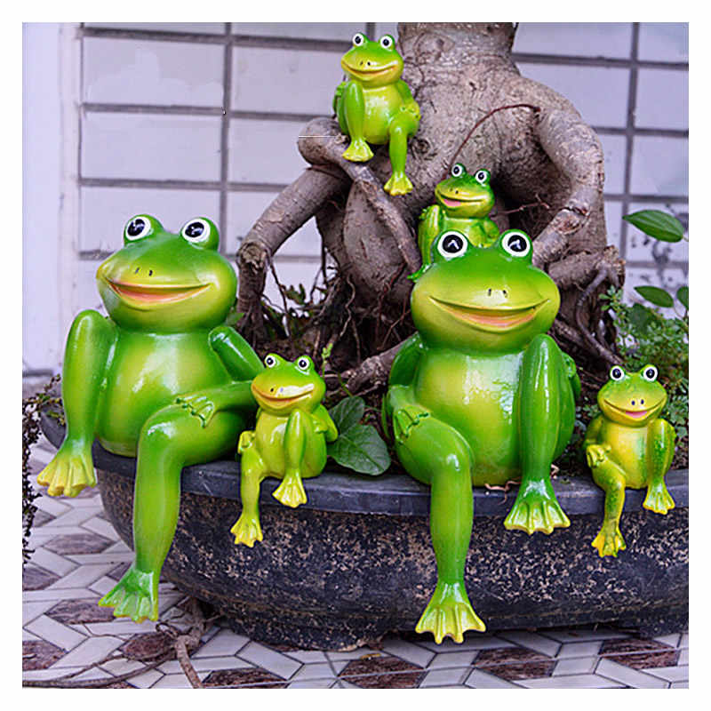 2pcs/Set Cute Resin Sitting Frogs Statue Outdoor Garden Store Decorative Frog Sculpture For Home Desk Garden Decor Ornament