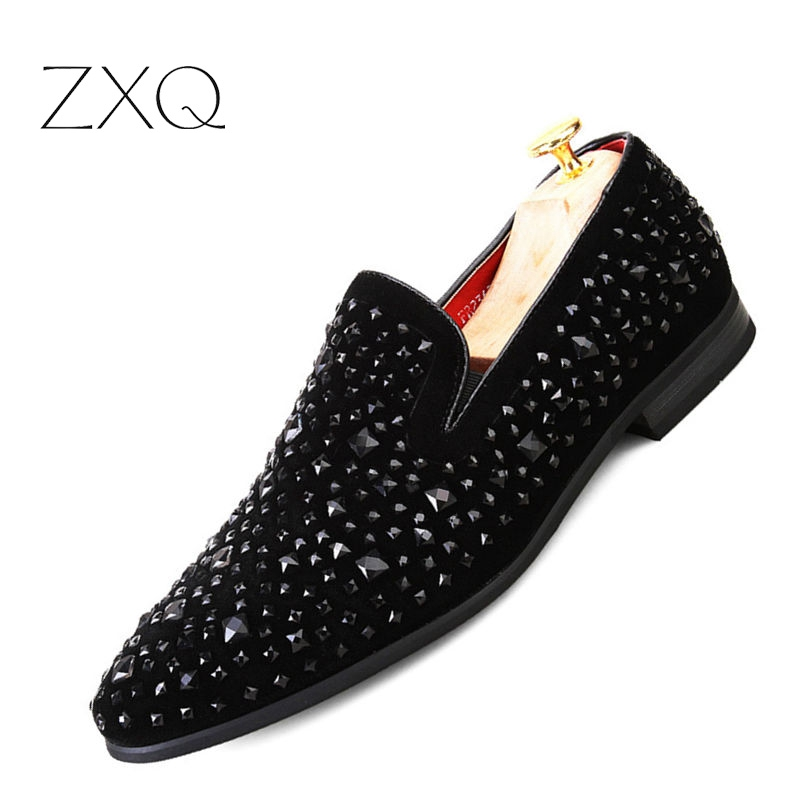 New Dandelion Spikes Flat Leather Shoes Rhinestone Fashion Mens Loafer Dress Shoes Men Casual Diamond Pointed Toe Shoes