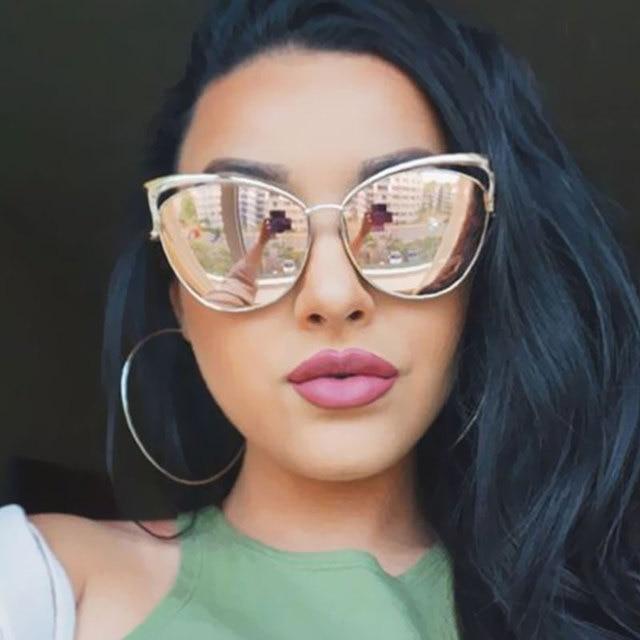 77b9b1d68b4c7b Nouveau Mode Cat Eye de luxe 2018 lunettes de Soleil Femmes Marque Designer  Double Faisceau Miroir