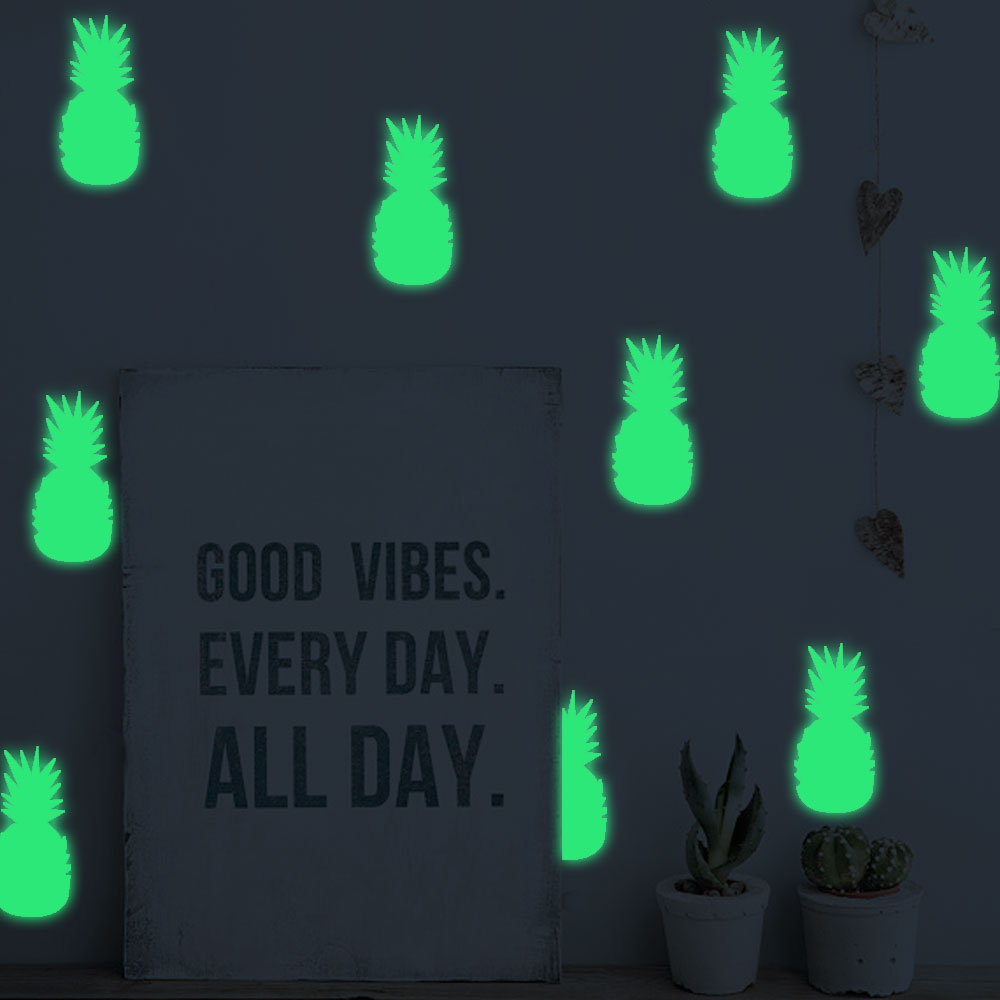 Free Shipping Glow In The Dark Wall Decals Nordic Style Shining Pineapple Sticker For Kid`s Room Livingroom Dining Hall Decor