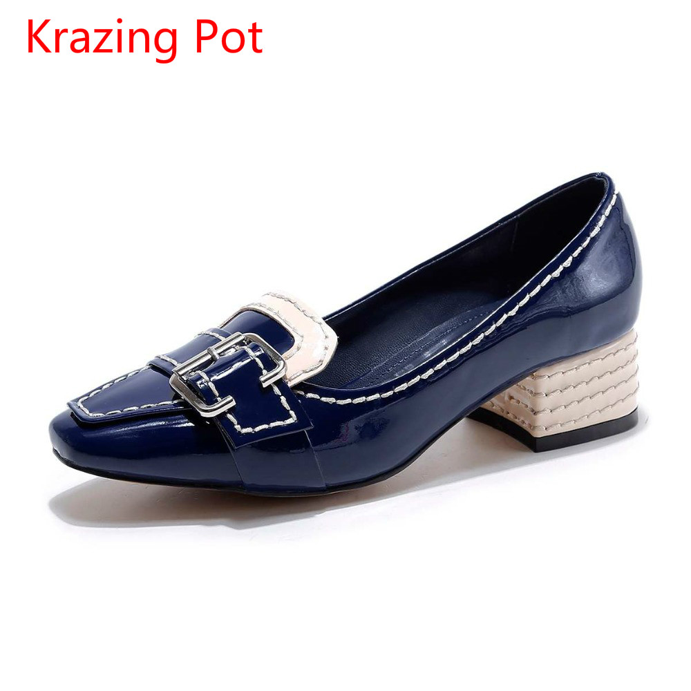 2017 Krazing pot fashion party medal buckle med heels shallow pumps square toe slip on women brand shoes genuine leather L5f2 fashion slip on brand shoes crystal buckle high heels casual round toe women pumps embroidery party sandals chinese style l29