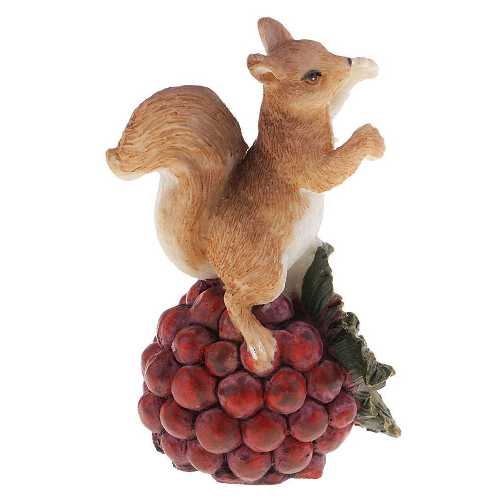 Miniaturas de Animais Collectible Action Figure Modelo Esquilo Decoração Crabapple