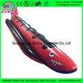 Tiburón como tubo rojo y negro barco de plátano inflable para adultos