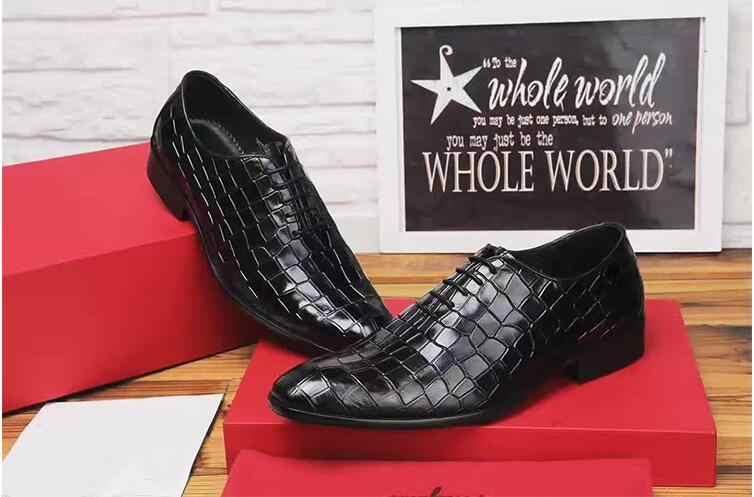 Elbise ayakkabı erkekler hakiki deri sivri burun lace up derby ayakkabı ekose taş desen klasik siyah akıllı rahat düşük topuk ayakkabı