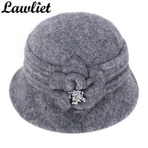 Image 2 - Kış şapka kadınlar için 1920s Gatsby tarzı çiçek sıcak yün bere kış kap bayanlar kasketleri kilise şapkalar Cloche Bonnet fedoras A299