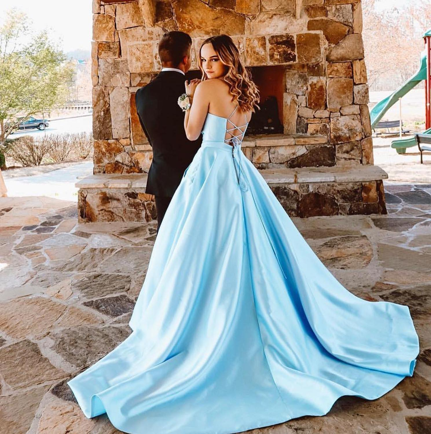 HONGFUYU Satin V-neck Ball Gown   Prom     Dresses   with Lace Up Back Sleeveless robe de soiree Party Evening   Dress   Backless Pockets