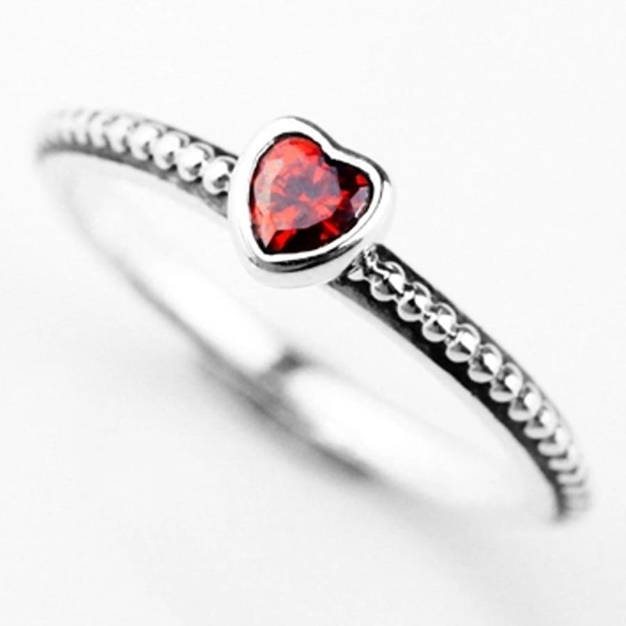 anello pandora con cuore rosso