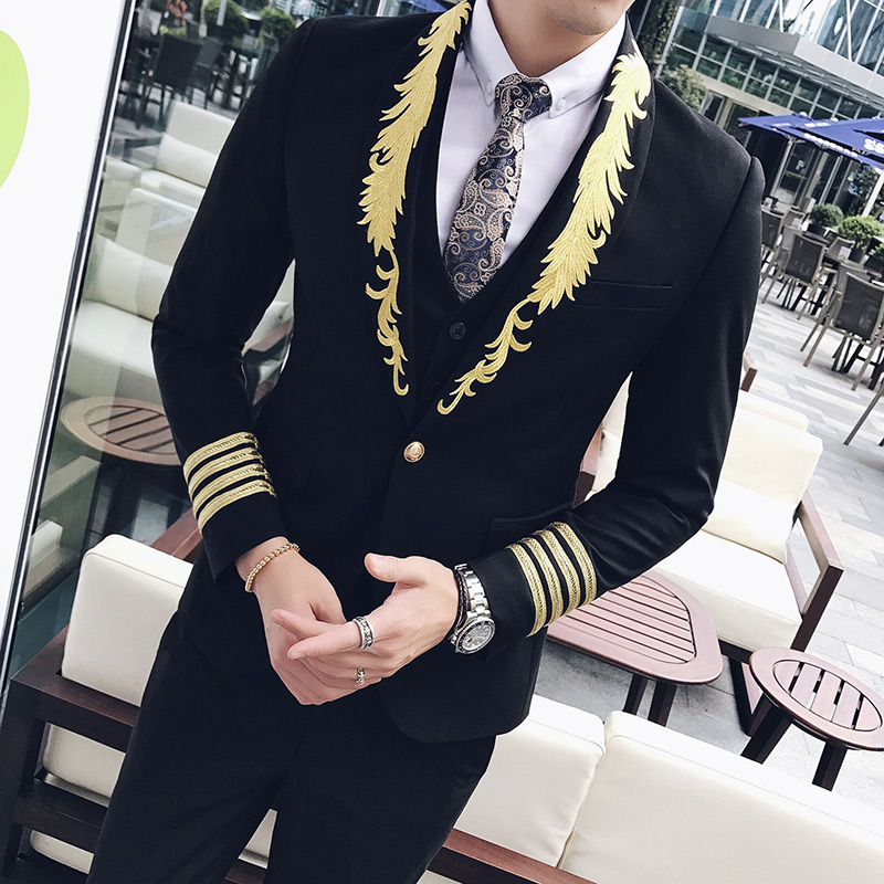 2017 Gold and Black Suits Mens Luxury Embroidery Suits Mens Baroque Suits Mens Wedding Dresses Slim Fit Social Club Outfit Royal