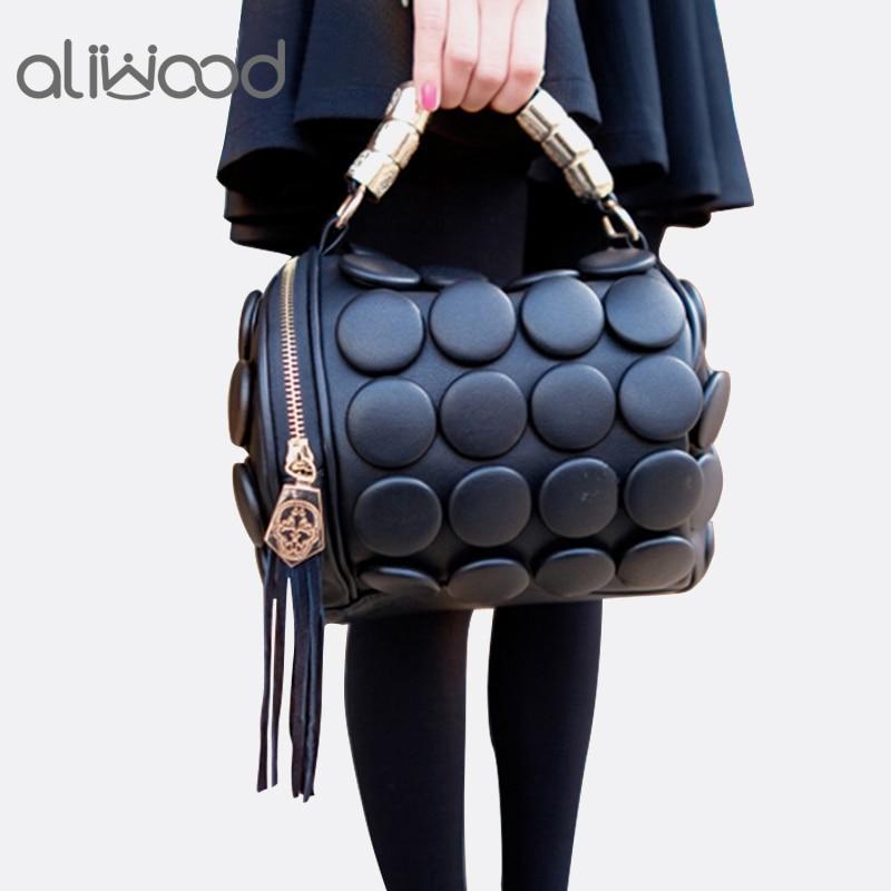 2019 Women's Handbags Boston Bags Ladies Tassel Button Messenger Bags Leather Shoulder Bags Designer Bucket Bag Clutch Bolsas