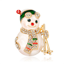 New Fashion Cartoon Christmas Snowman Brooch Gift Women