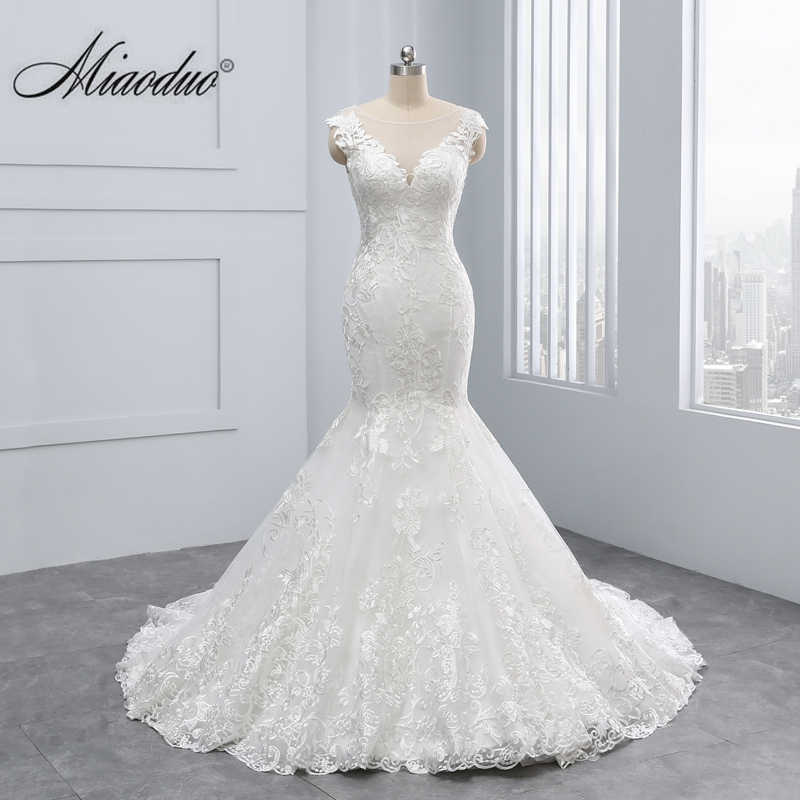 Miaoduo 2020 New Mermaid Design Vestido De Noiva Lace Appliques Button Zipper Back Scoop Wedding Dresses Beautiful Wedding Gowns
