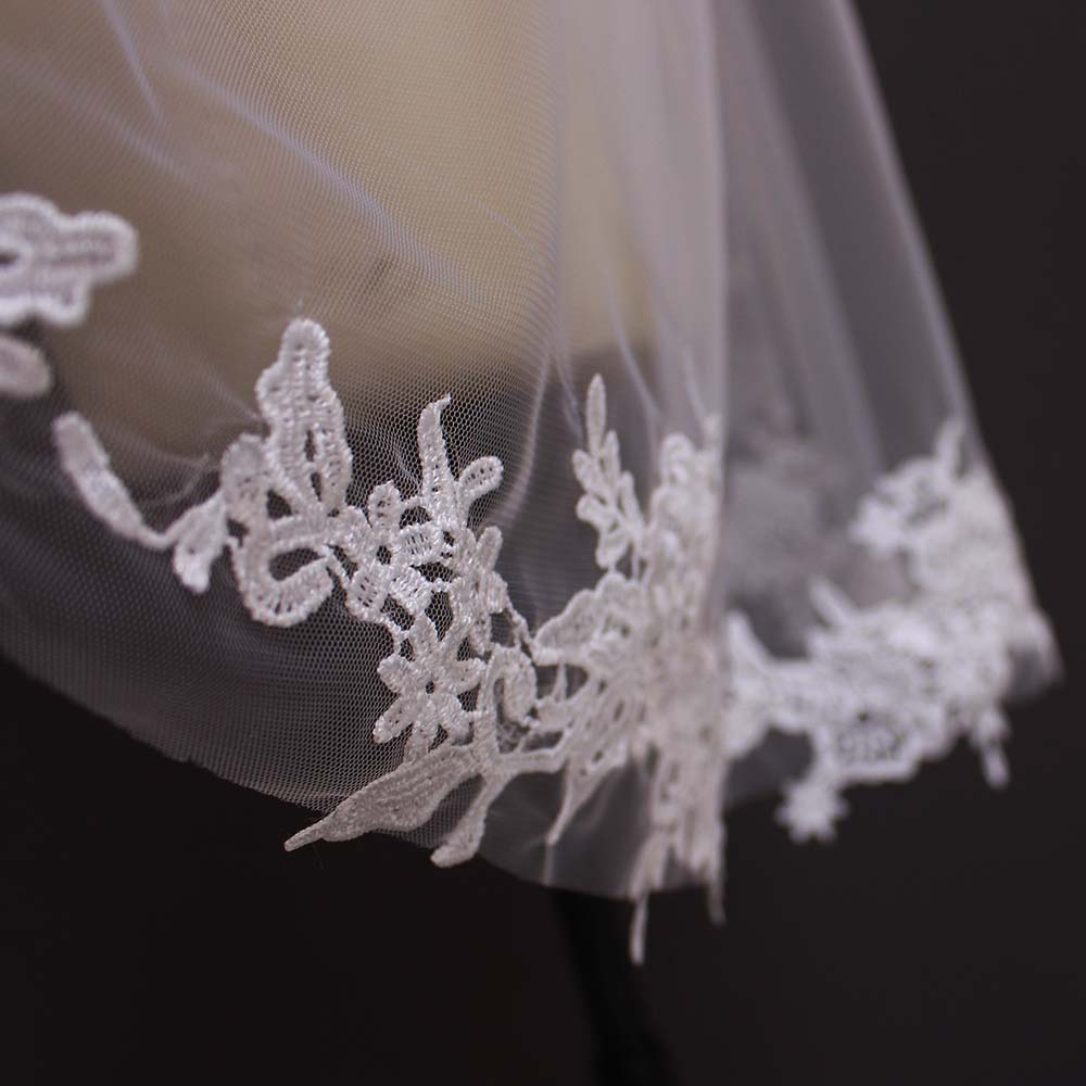 2019 Real Photos One Layer Lace Appliques Short Wedding Veils New White Ivory Bridal Veils