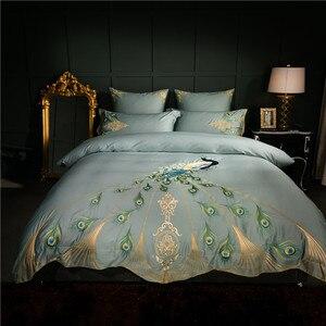Image 2 - 60 s Egyptisch katoen oosterse borduurwerk luxe Beddengoed set pauw patroon queen king size 4/6 stks dekbedovertrek laken kussen
