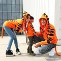 2016 новое семейство соответствующие наряды мать отец ребенок тигра пальто толстовки отец и сын мать и дочь одежда семья посмотрите