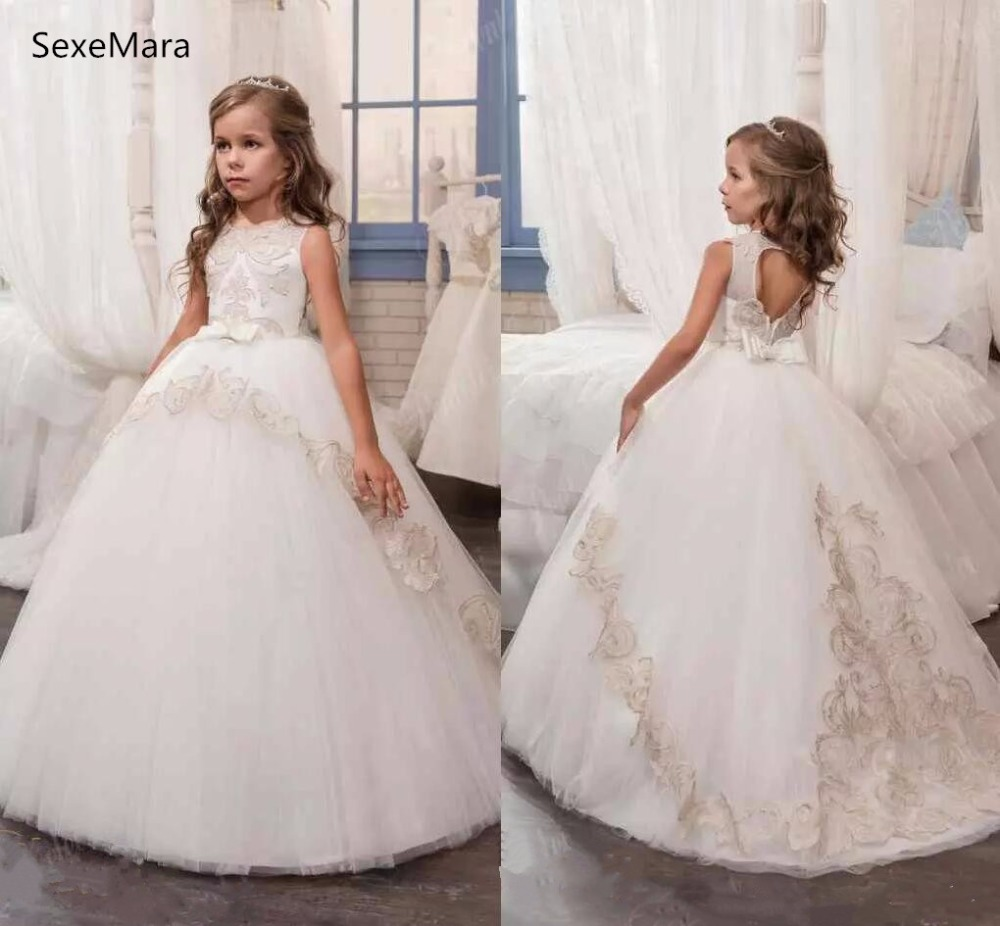 new black and gold lace flower girls dresses high neck with corset back ball gown designer pageant gown girls birthday dresses New White Ball Gown Flower Girls Dresses Crew Neck Bow Hollow Back Kids Party Gown Girls Pageant Dresses Country Wedding Wear