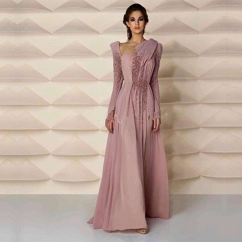 Middle East Style Muslim Evening Gown With Long Sleeve Pearls Skin Pink Long Formal Women Arabic Mother Of The Bride Dresses