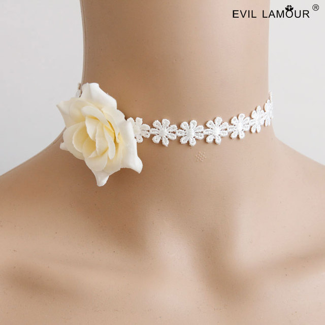 NEW ARRIVAL Fresh White Lace Choker Necklaces for Woman Bridal Charm Flower  Chokers Fashion Wedding Party a57c62189253