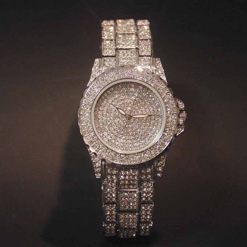 Bling Luxury Women Diamond Quartz Watch Känd märke Eleganta Klänning Klockor Ladies Rhinestone Armbandsur Relogios Femininos