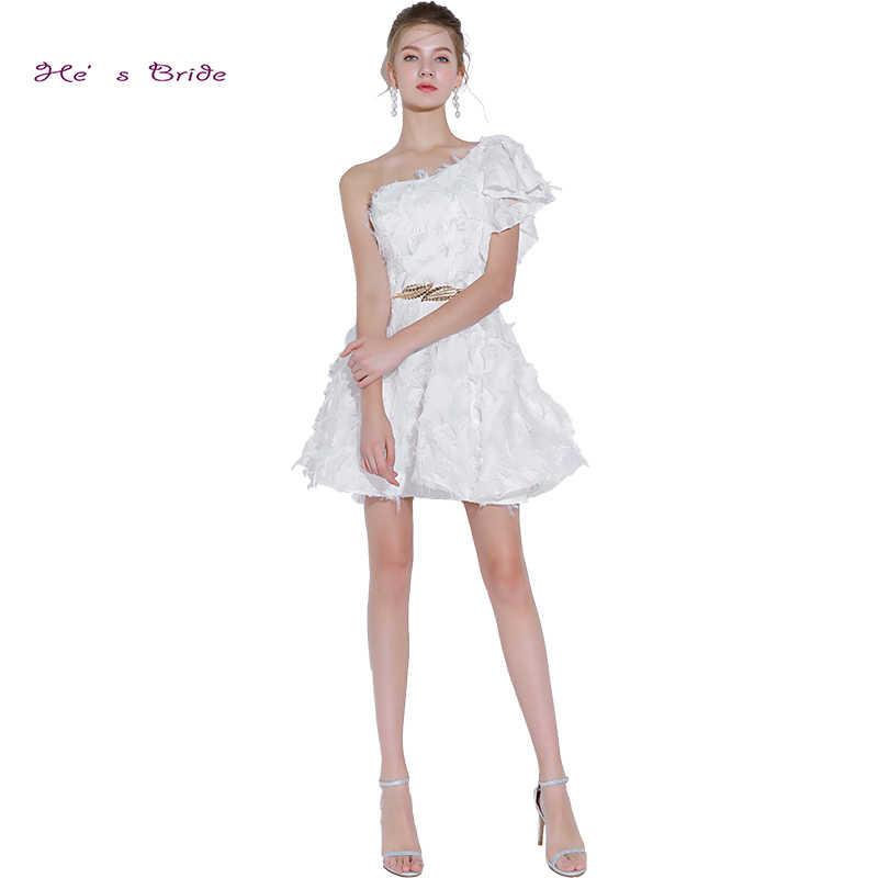 cde57dc0f3100a4 Он невесты Новый белый элегантный коктейльное платье на одно плечо Рубашка  с короткими рукавами трапециевидной формы