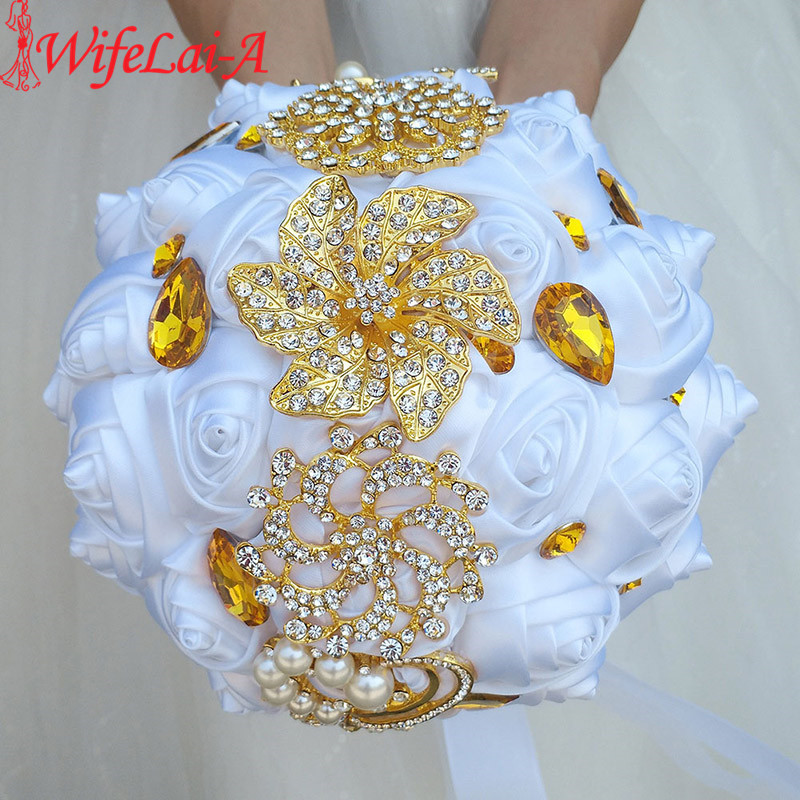 WifeLai-A Gold Brooch Bridal Hand Holding Blomsterbuketter Vita Guld Crystal Rent White Silk Bridesmaid Bröllop Bouquet W227-1