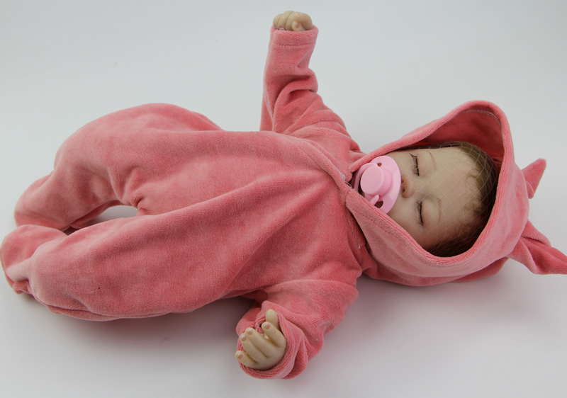 Toys For 18 : Soft silicone quot reborn baby doll fashion realistic
