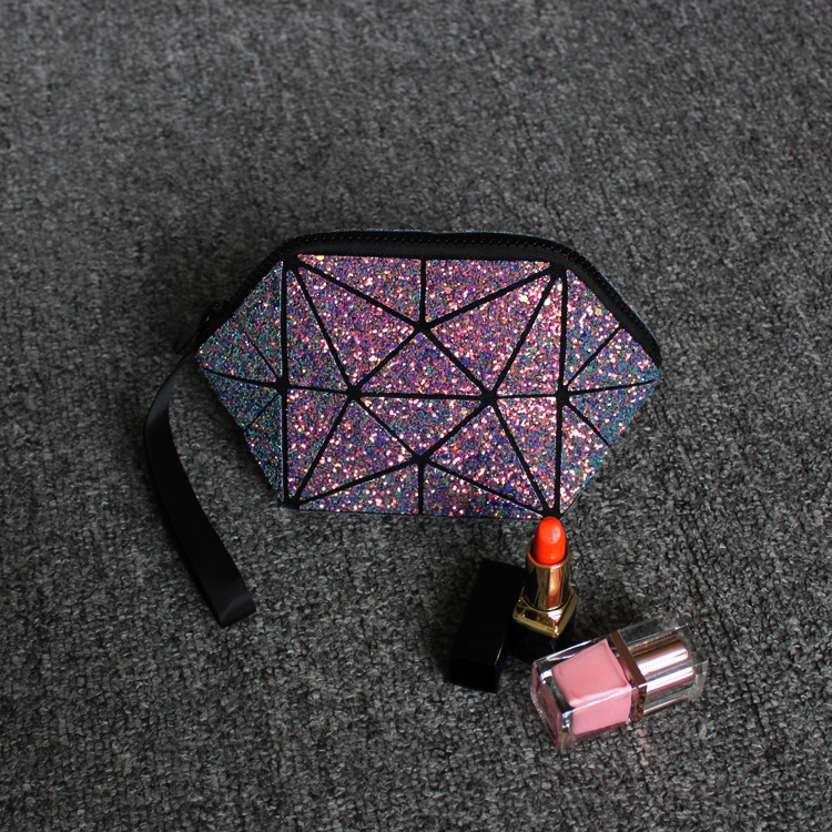 geometric cosmetic bag for women sequin glitter makeup bao bag for ladies sequin detail chain bag