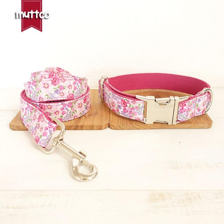 7bccb7d0dad1 Clásico Rosa Flores moda diseño Pitbull perro collar y correa set cuerda de  nylon correa de perro para cachorros Productos plomo para perros en  Conjuntos de ...