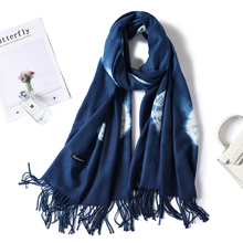 Designer brand women scarf 2019 new winter cashmere scarves for lady shawl wrap thich warm neck bandana female pashmina Tassels