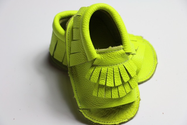 2016 fluorescence green spring and summer Genuine Leather baby girls shoes First Walker Toddler baby moccasins newborn Shoes