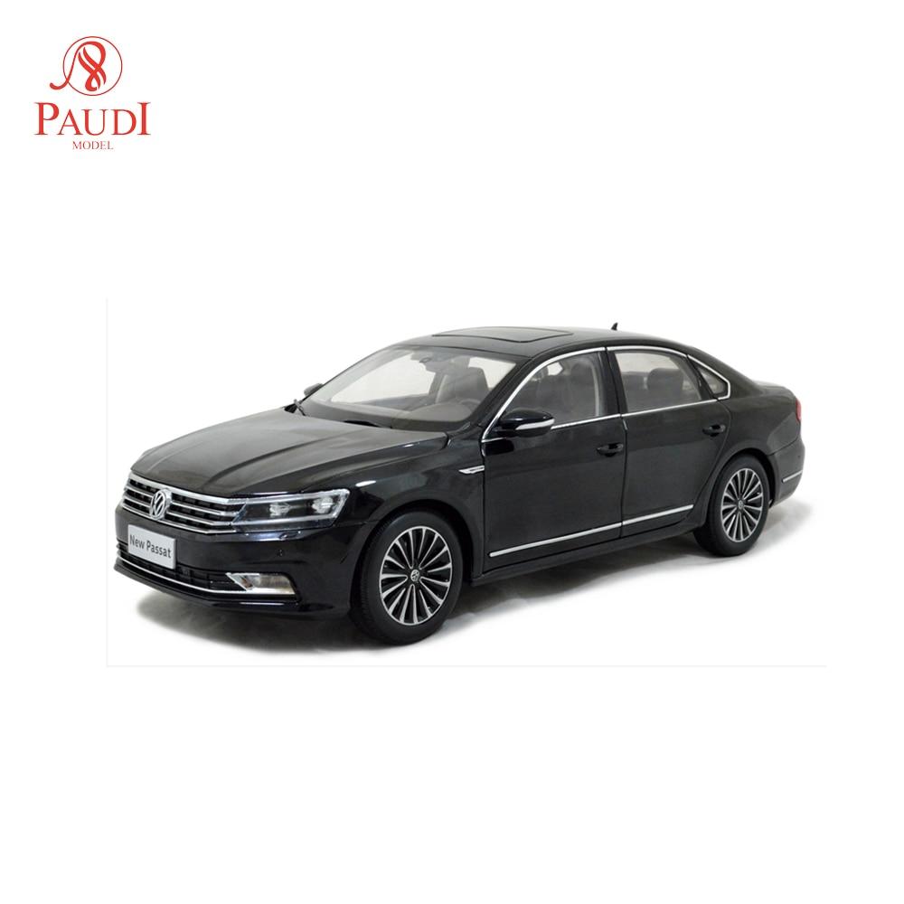1//18 Scale Volkswagen VW NEW PASSAT 2011 Blue Diecast Model Car Toy Collection