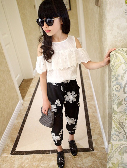 Summer 2017 Kids Fashion Girls Clothing Sets 2 pcs White Lace Blouse Top & Black Flowers Pants Set for Teenage Girls Clothes Set стоимость