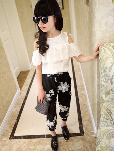 Summer 2017 Kids Fashion Girls Clothing Sets 2 pcs White Lace Blouse Top & Black Flowers Pants Set for Teenage Girls Clothes Set