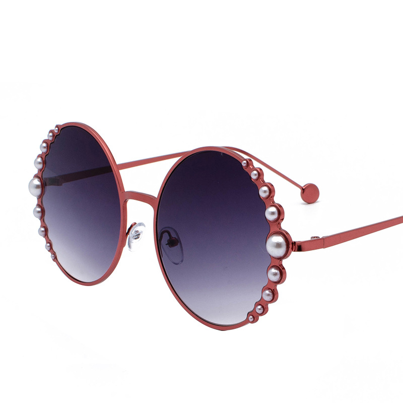 Image 4 - Designer Fashion Sunglasses Round with pearls in Black Gold  Woman's Beach Shades in Red Discount hot brand with case free ship-in Men's Sunglasses from Apparel Accessories