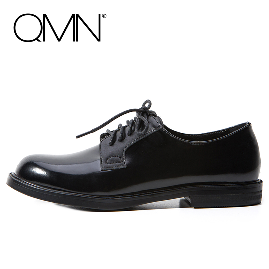 QMN women genuine leather flats Women Glossy Leather Round Toe Brogue Shoes Woman Black Lace Up Leisure Shoes 34-39 qmn women laser cut genuine leather platform flats women square toe height increasing brogue shoes woman flats creepers 34 39