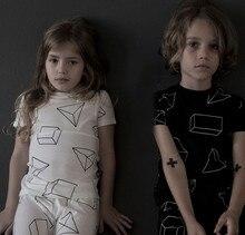 2016 новый летний ребенок с коротким рукавом tshirt взрослых свободного покроя летней одежды малыша мода одежду-серый и черный