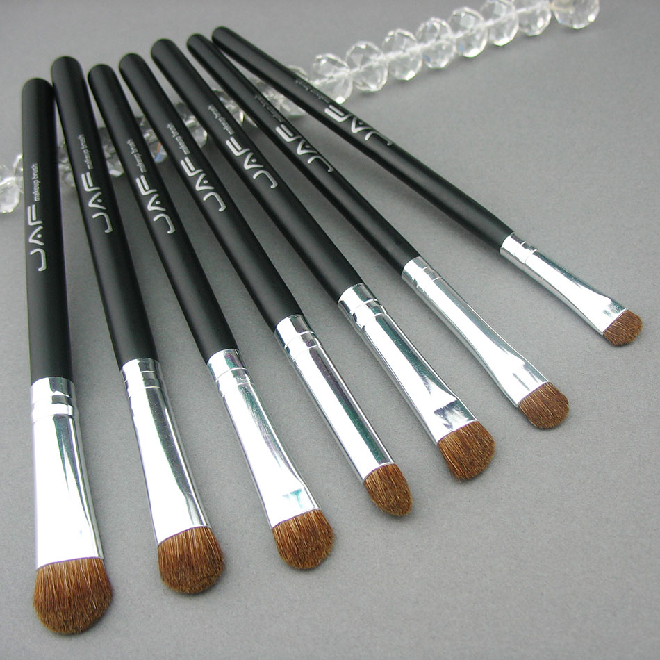 Tesoura de Maquiagem 7 pcs eye makeup eyeshadow G.w : 0.3kg