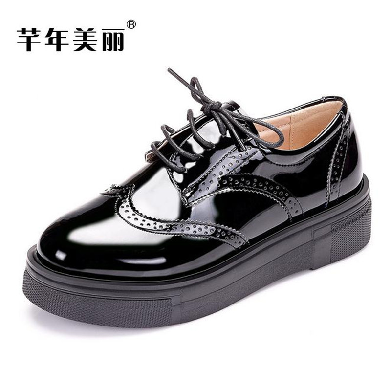 Fashionable patent leather Bullock carved Oxford shoes Flat with large size Women Shoes thick bottom Platform shoes obuv Loafers 2017 new spring female flat heels martin shoes bullock shoes female thick bottom loafers large size women shoes obuv ayakkab