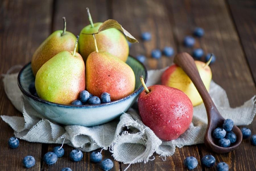 DIY marco peras arándanos cuchara frutas todavía vida poster arte ...