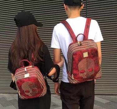 ФОТО Autumn New Hot Street Fashion Rivet Skull Couple Backpack Import Women and Men Backpack School Travel Backpack Sac a dos femme