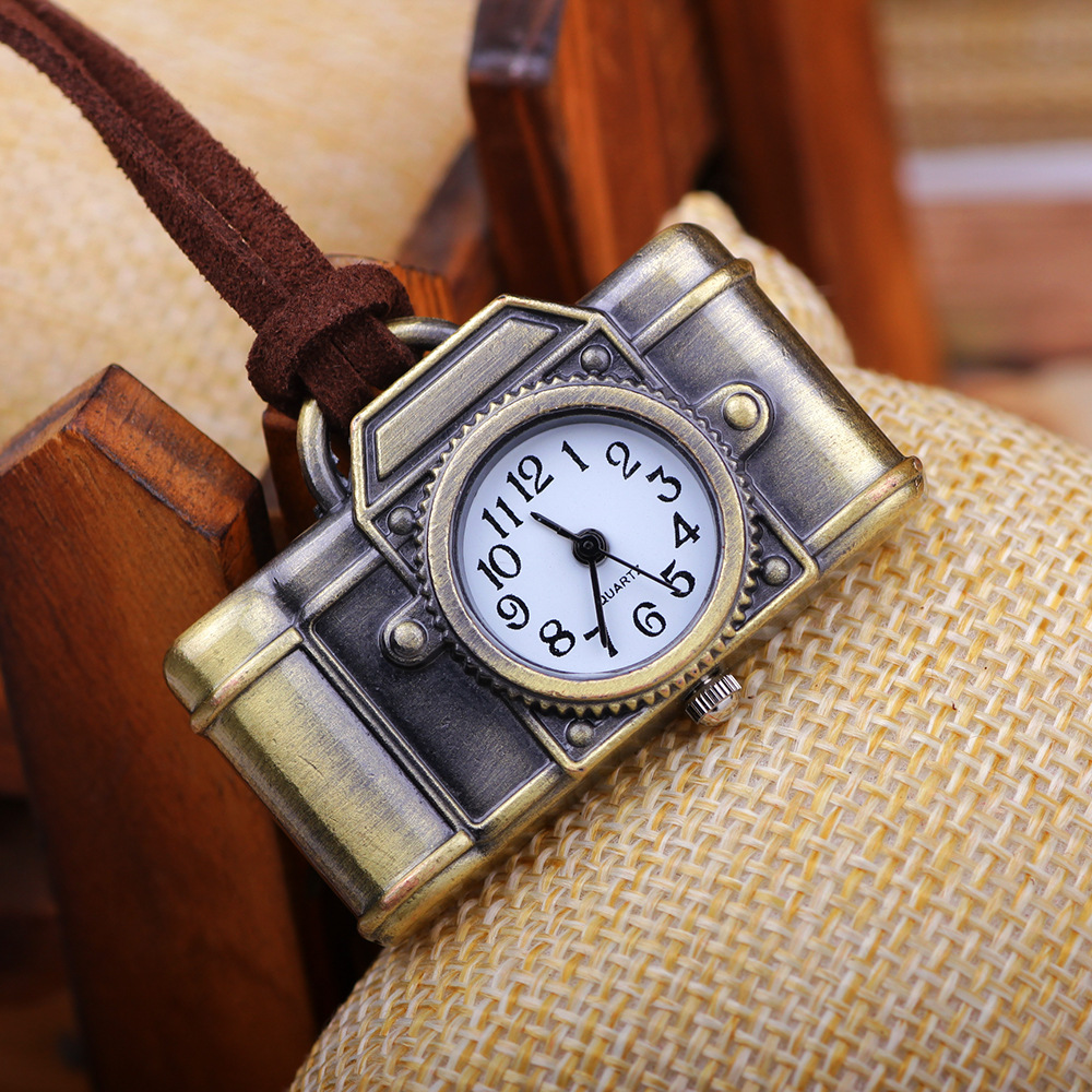 Creative Watches Retro Keychains Camera Toys Shape Pocket Quartz Keyring Keys Ring Gift Cool Electronic Pendant Toy For Children ...