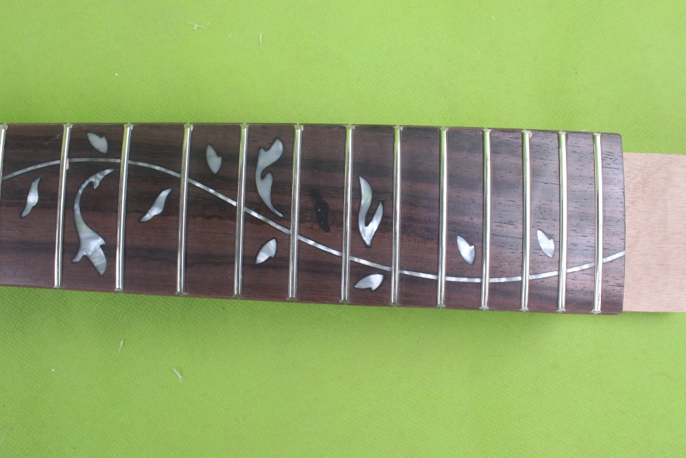 1 pcs   Unfinished electric guitar neck  mahogany made rosewood fingerboard unfinished tales