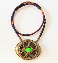 Dr Doctor Strange Pendant Eye Of Agamotto Necklace 1:1 LED Avengers 4 Endgame Collection Cosplay halloween Christmas props