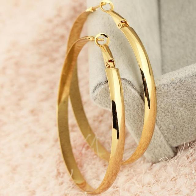 Golden Hoop Earrings Europe glossy exaggerated earrings for women big loop hoop  earrings circle earring fashion 94ccd5bb37d1