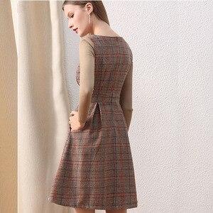 Image 3 - רק בתוספת חורף שמלת צמר חום פיטר צווארון מחבת בציר שמלה עם כפתורים סרוג ארוך שרוול שמלת נשים